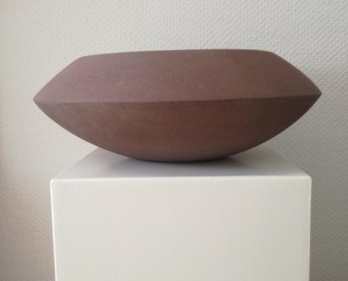 """PS14 – """"Schale"""" 39x32x15cm I roter Sandstein (2020)"""